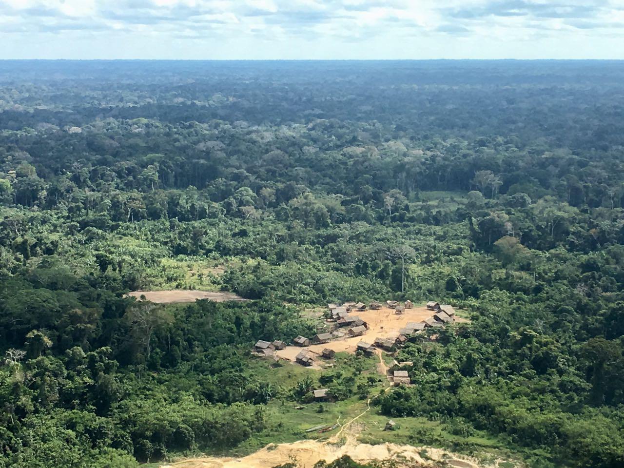 Aldeia da etnia Kanamari fica isolada na Floresta Amazônica/ Ten Dutra