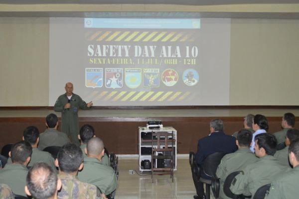 Foram abordados o aspecto psicológico e a manutenção para prevenção de acidentes