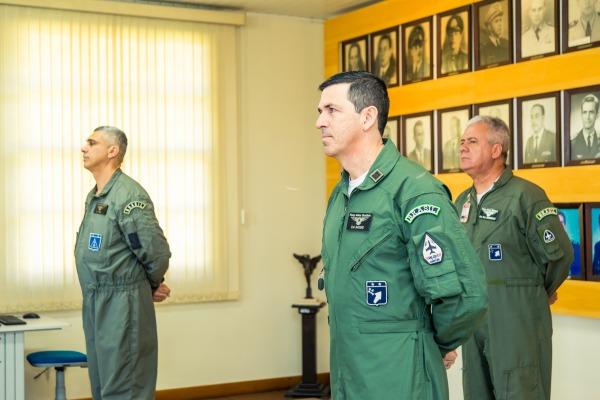Passagem de Comando do Coronel Omar ao Coronel Avedis