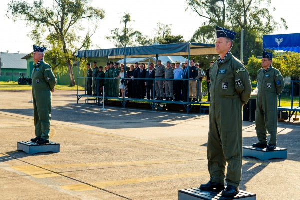 Major-Brigadeiro Domingues passa o comando para o Brigadeiro Arnaldo