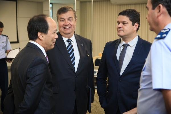 Reunião permite cooperação entre judiciário e Forças Armadas