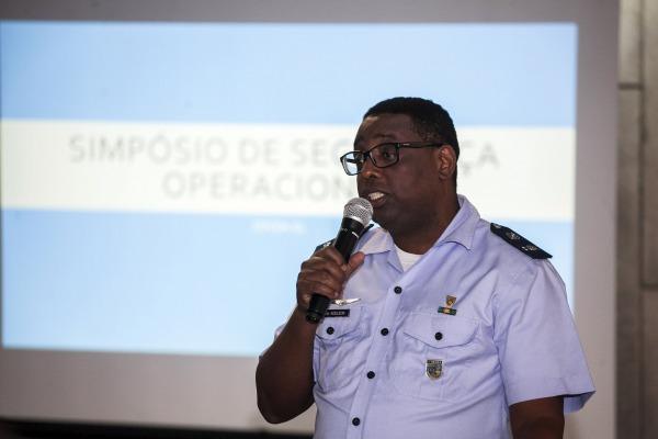 O objetivo foi melhorar a qualidade e a eficiência na prestação dos serviços