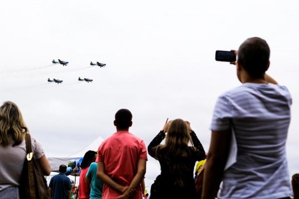 Entre as atrações, o público poderá conhecer a nova aeronave de transporte KC-390