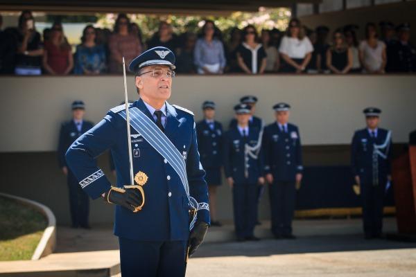 Na mesma cerimônia, o Tenente-Brigadeiro Machado, que deixou o cargo, despediu-se do serviço ativo