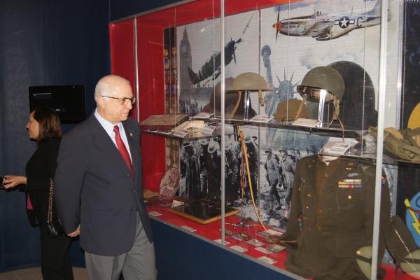 O MUSAL possui 12 salas temáticas e mais de 100 aeronaves em exposição