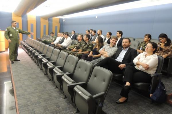 Comitiva visitou as instalações do Centro de Lançamento