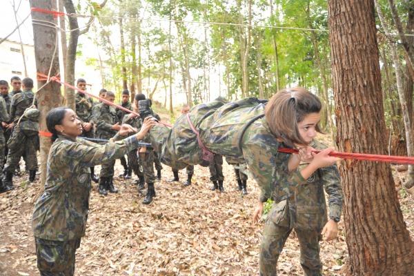 Eles tiveram diversas instruções, como construção de abrigos e preparação para o combate