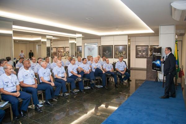 Cerca de 50 Oficiais-Generais acompanharam a palestra