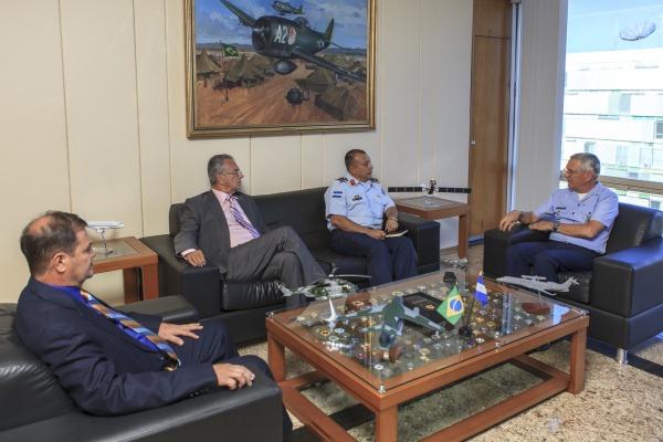Comandante da Força Aérea de Honduras está cumprindo agenda no Brasil e, nesta terça-feira (12/09), esteve reunido com o Tenente-Brigadeiro Rossato