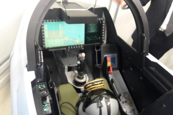 Ato na sede da empresa marcou a entrega do equipamento à Força Aérea Brasileira