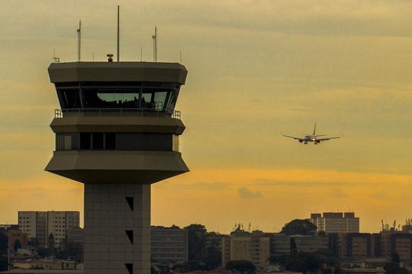 Portal AGA alerta sobre a necessidade de abertura ou não de processos para novas edificações no entorno de aeródromos