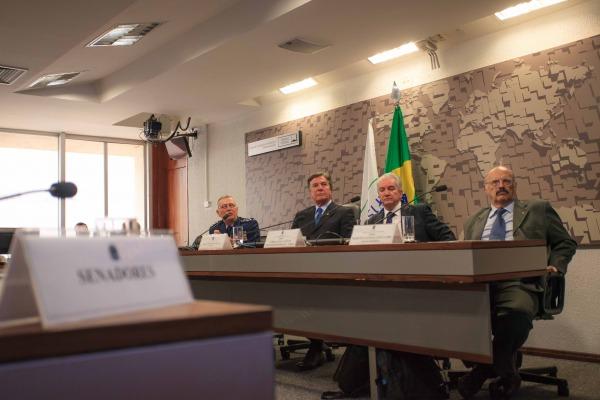 Reunião contou também com representantes da Telebras e do Clube de Engenharia