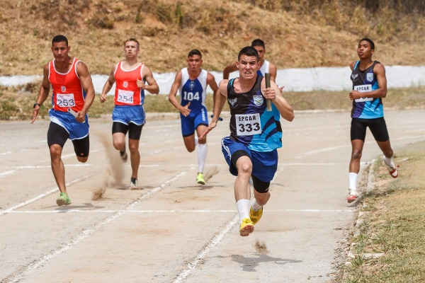 Uma das modalidades esportivas é a corrida