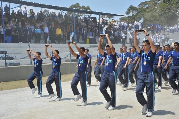 A competição reuniu alunos das escolas preparatórias da Marinha, do Exército e da Aeronáutica