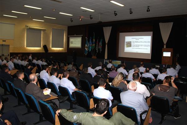 Em torno de 120 pessoas participaram do simpósio