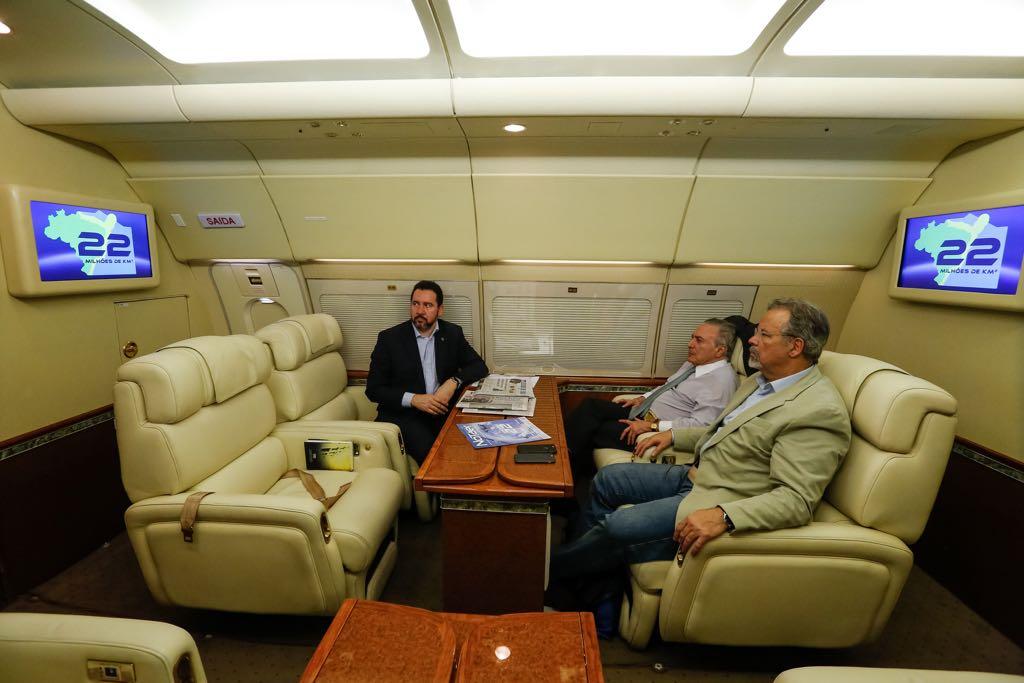 Presidente Michel Temer assiste ao vídeo institucional da Campanha Dimensão 22