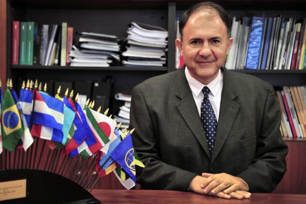 Secretário de assuntos internacionais do Planejamento, Jorge Arbache, vê setor de defesa como instrumento de política industrial