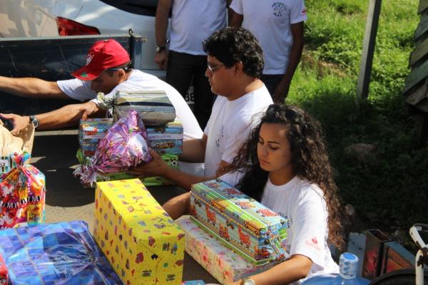 Comitê de cidadania da Ala 9 realiza distribuição de brinquedos