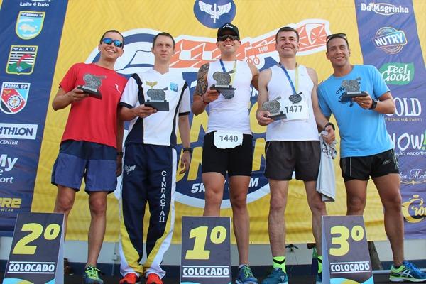Pódio dos vencedores da corrida
