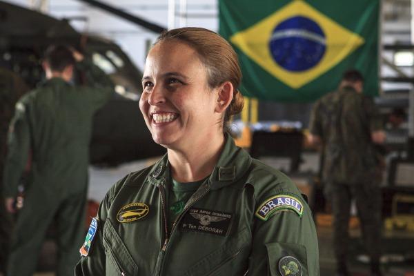 Capitão Déborah de Mendonça Gonçalves - Esquadrão Harpia - (7°/8° GAV)