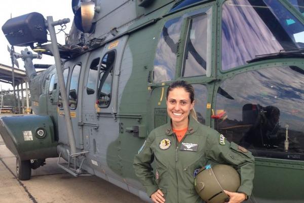 Capitão Débora Ferreira Monnerat - Esquadrão Pelicano (2°/10° GAV)