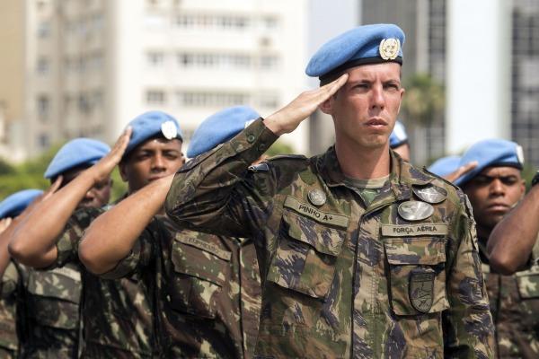 A solenidade contou com a presença de autoridades das três Forças Armadas