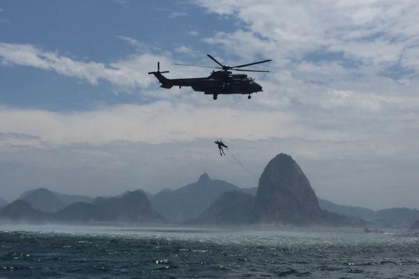Manobra ocorreu na cidade de Ilha Grande, no Rio de Janeiro, e envolveu cerca de cem militares