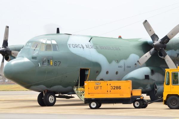Aeronave sendo preparada em Anápolis
