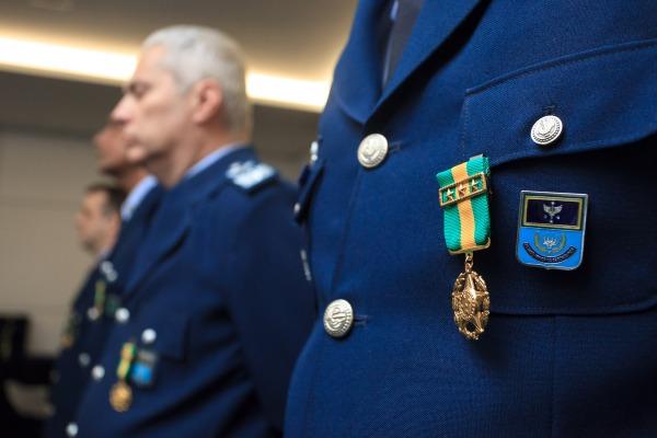Dez agraciados receberam a Medalha Militar
