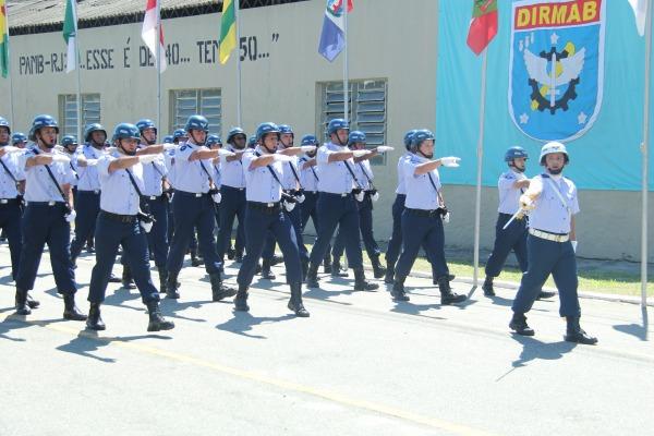 Solenidade contou com desfile de tropas