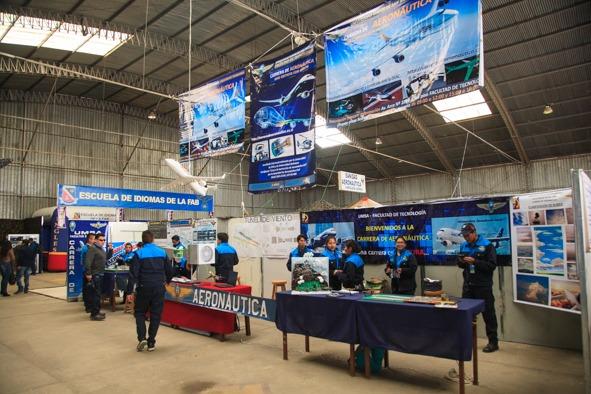 Feira na Bolívia atraiu cerca de 40 mil pessoas