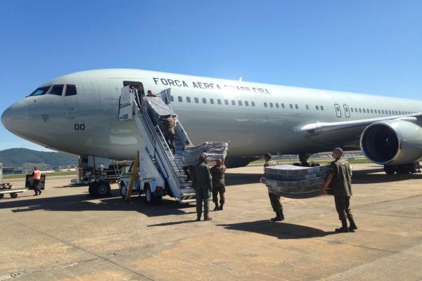 Esquadrão Corsário transporta cerca de 10 toneladas de materiais para o México
