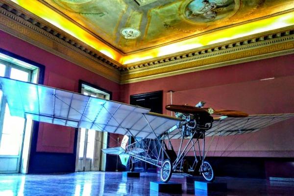 Exposição contará com réplicas, documentos e fotos sobre o legado do pai da aviação