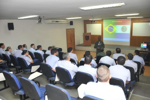 Na ocasião foi ressaltada a possibilidade de participação de oficiais estrangeiros em cursos da UNIFA