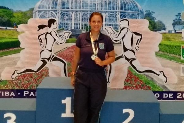 Tenente Raquel e a medalha de ouro do Campeonato Brasileiro de Orientação Sprint