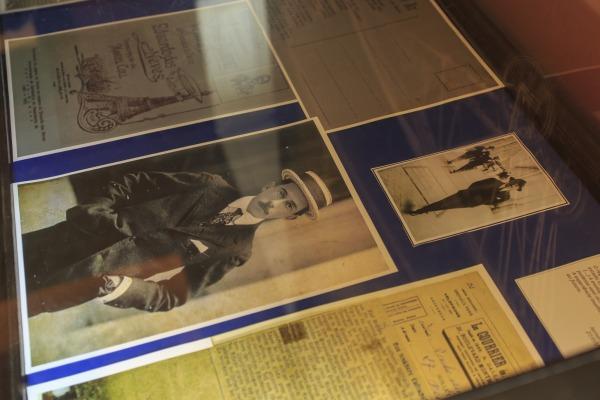 Mostra conta com documentos históricos sobre Santos-Dumont