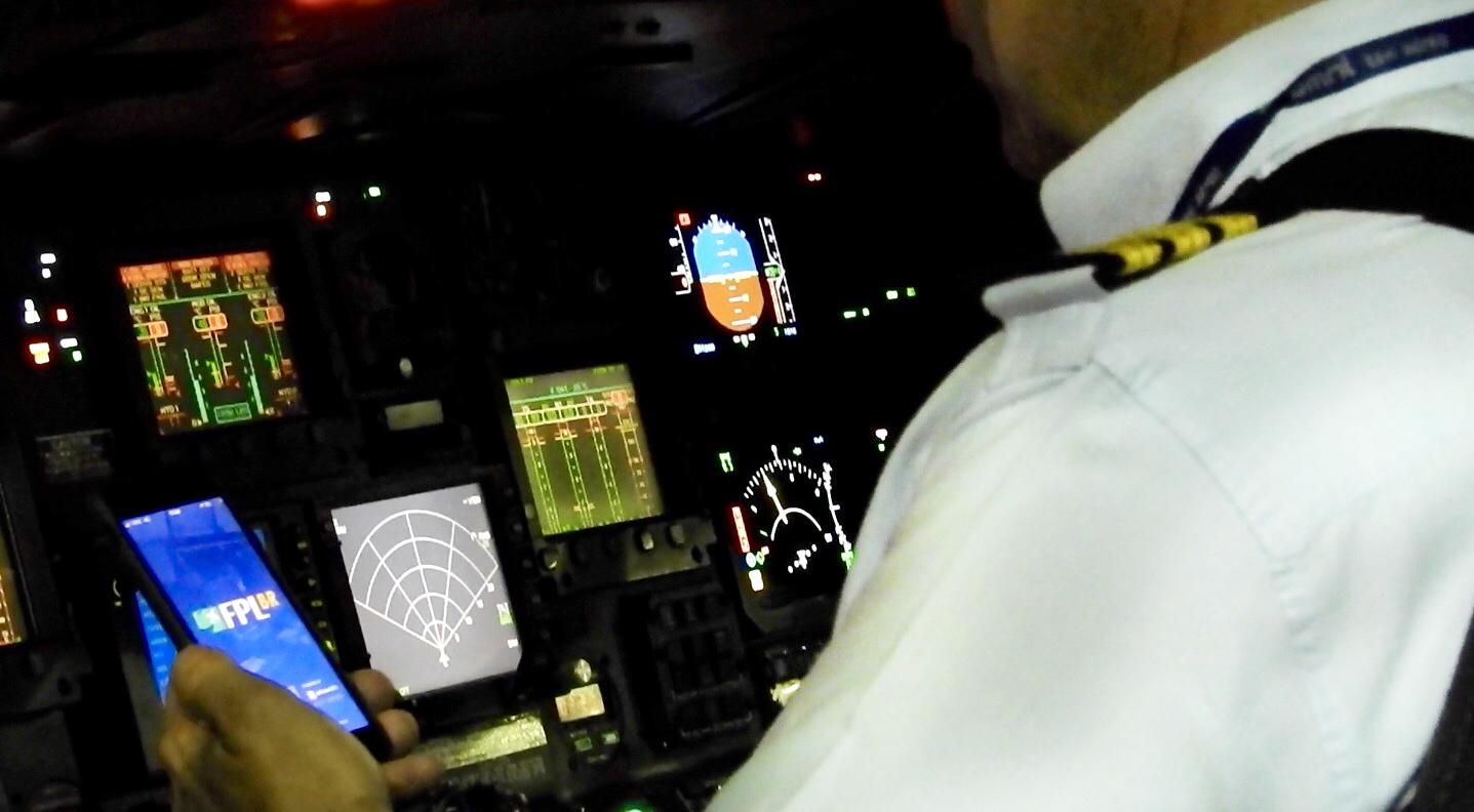 Uso do aplicativo pelo piloto civil