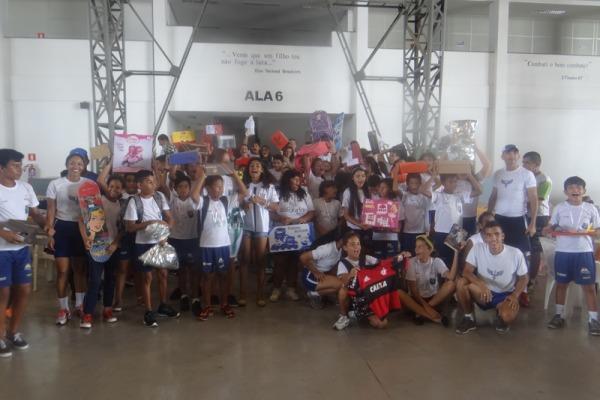 As crianças tiveram a oportunidade de participar de uma prova de triathlon com formato reduzido, desenvolvida especificamente para elas