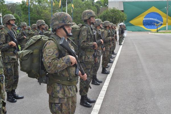 Cerimônia também foi realizada na Escola de Especialistas de Aeronáutica (EEAR), em Guaratinguetá