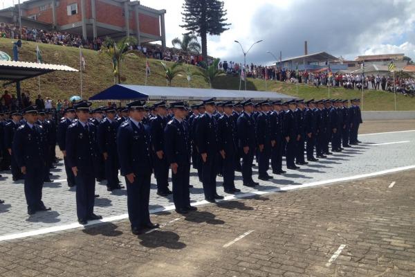 Solenidade marcou a conclusão de curso da turma Lancevaque, que ingressou na escola em 2015