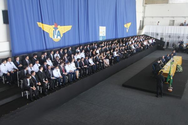 A maior turma da história do ITA é composta por 151 formandos