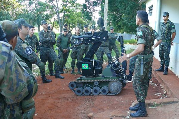 Militares passaram por atividades teóricas e práticas