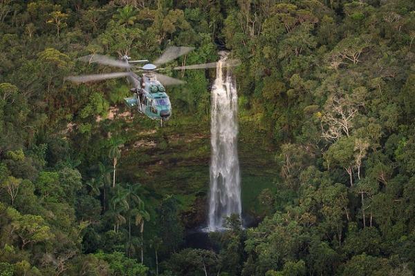 Versátil e flexível, capaz de cumprir diversas missões no campo de batalha, o helicóptero chega aos lugares mais difíceis