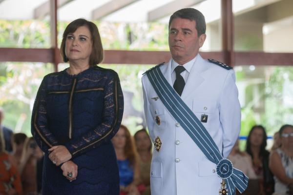 Oficial-General e sua esposa em cerimônia em Brasília (DF)