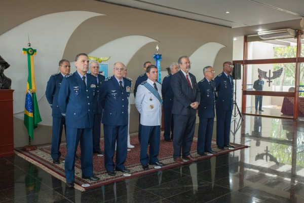 Oficiais-Generais prestam homenagem a militar, na Ala 1, em Brasília