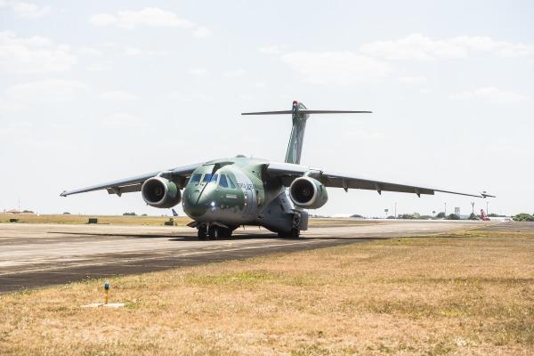 Maior avião militar desenvolvido no Brasil, KC-390 se prepara para chegar aos hangares da FAB