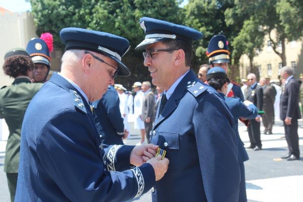 Ao todo, 156 militares e civis foram agraciados com a medalha