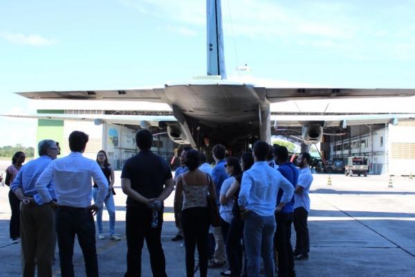 Um dos objetivos foi familiarizar os diplomatas com as atividades do setor de defesa