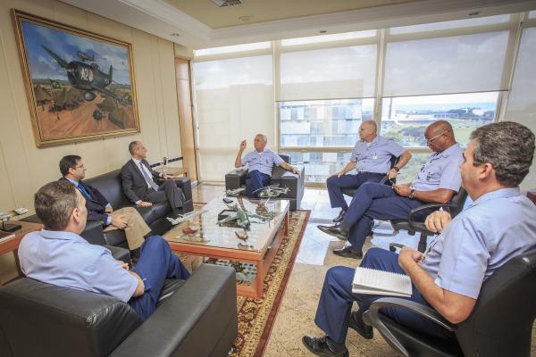 Oficiais-Generais participam da reunião com a PGFN