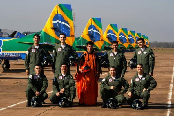Parceria entre Esquadrão de Demonstração Aérea e paraquedista será apresentado no Canal OFF da Globosat